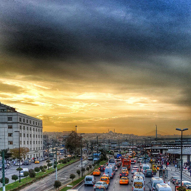 #istanbul #eminonu #blue #yellow #sunset #traffic